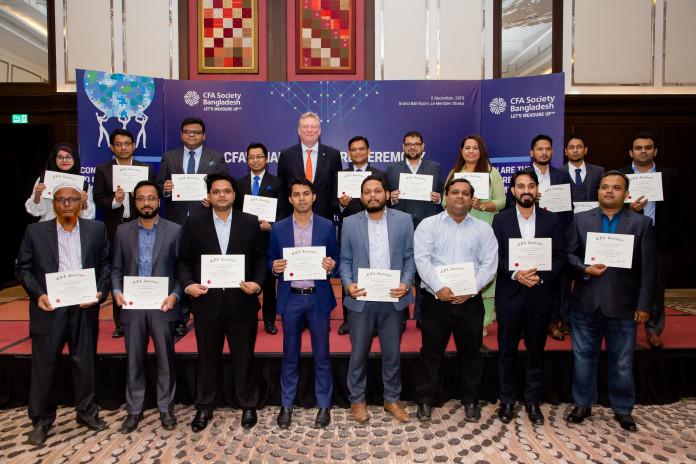 Ảnh 2: Hiệp hội CFA Bangladesh chào mừng 20 Charterholder mới