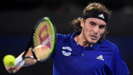 It Happened Accidentally Says Tsitsipas After Racket Swipe Hurts Dad The Business Standard